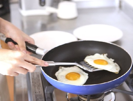 Avoid 5 Common Mistakes When Using Nonstick Cookware